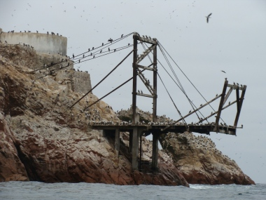 Rusted dock, Islas Ballestas